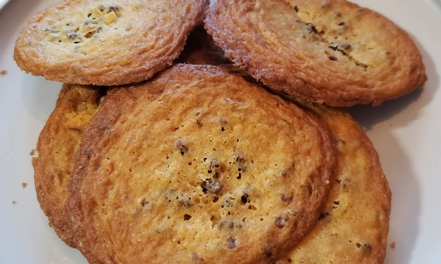 Super Thin Chocolate Chip Coookies